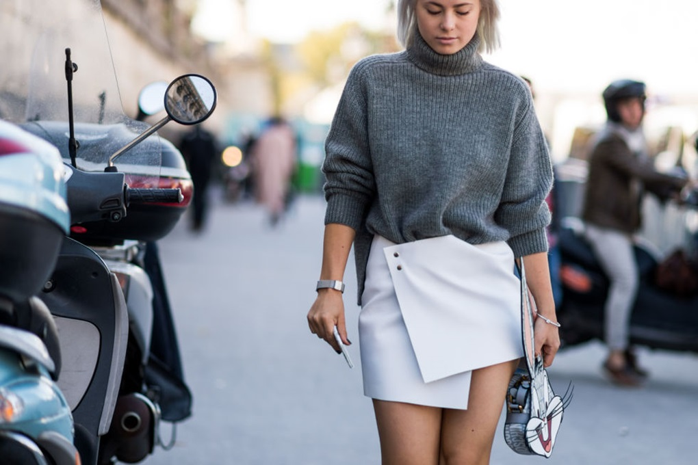 chunky-knitss-turtleneck-sweater-wrap-skirt-mini-skirt-grey-white-paris-fashion-week-street-style-fall-outfits-ell