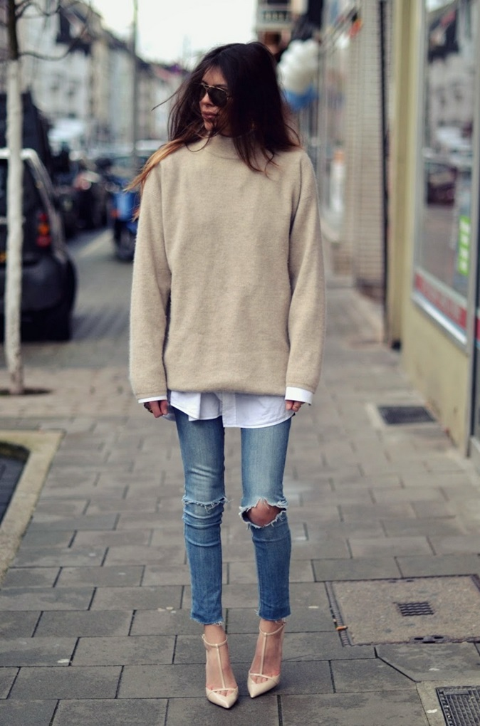 comfy-and-cozy-oversized-sweater-outfits-for-fall-6