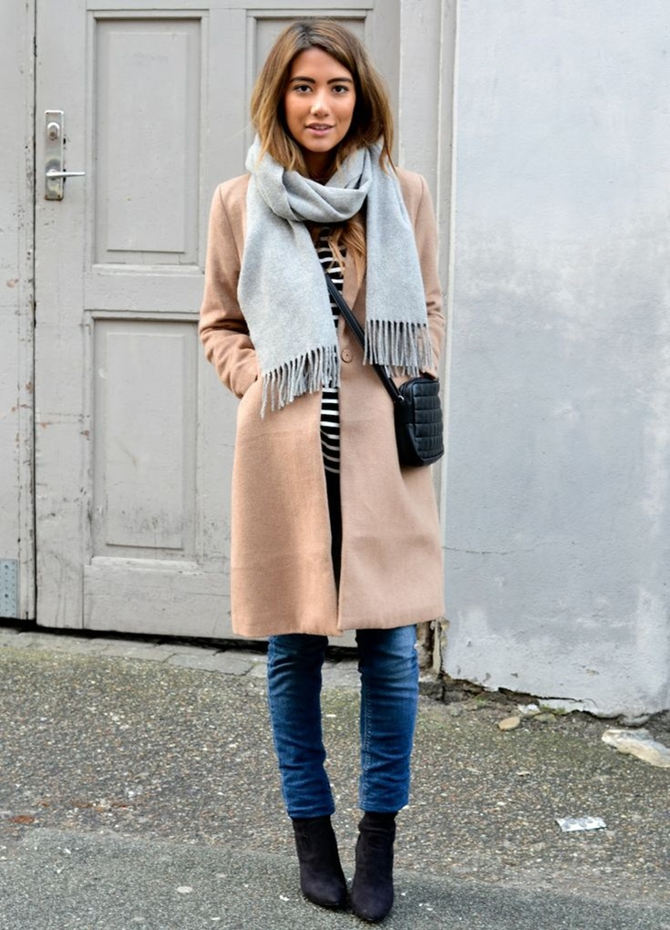 coat-crew-neck-t-shirt-skinny-jeans-ankle-boots-crossbody-bag-scarf-original-5078