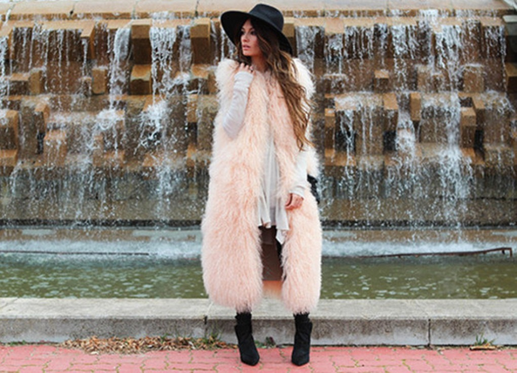 l1gzk8-l-610x610-madame+rosa-blogger-hat-fluffy-pastel-winter+outfits-faux+fur+vest-jacket-t+shirt-pants-shoes-bag