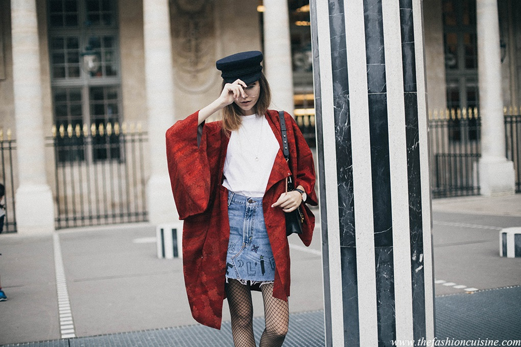 Paris-Fashion-Week-fashion-blogger-Beatrice-Gutu-sailor-cap-red-kimono-trend-denim-mini-skirt-fishnet-tights-outfit-inspiration-3