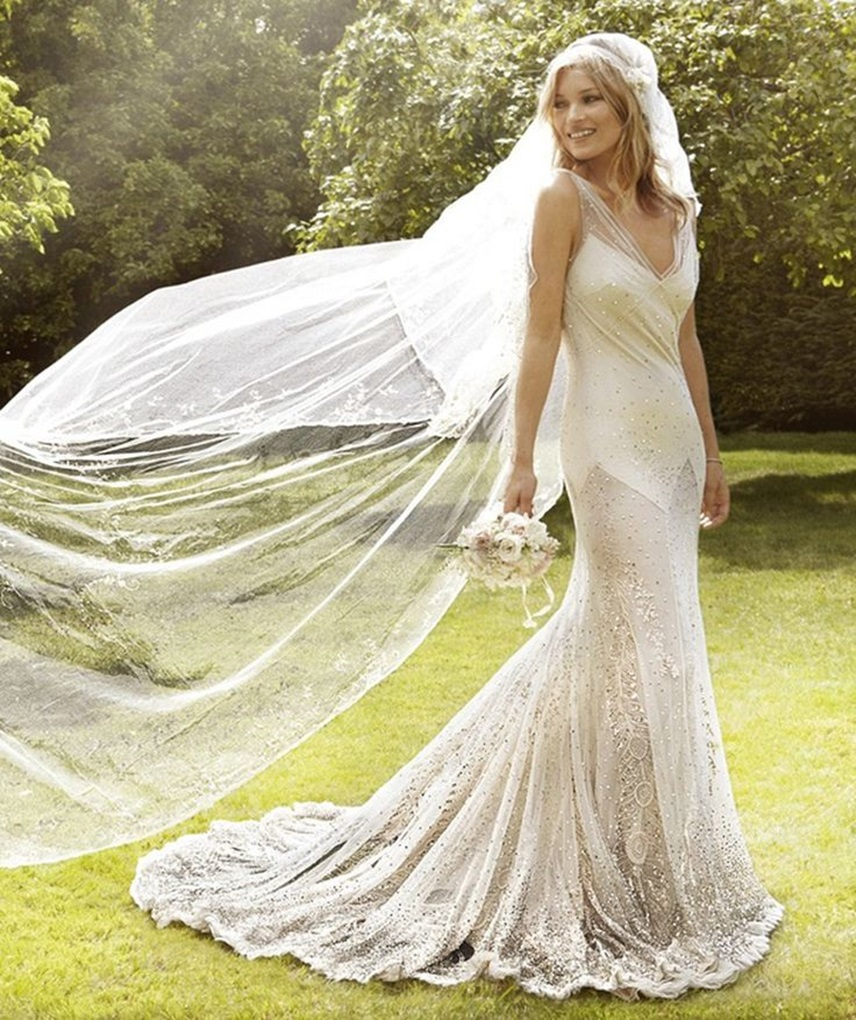 10610e7c350627734fd92e46afb51c41--hippy-wedding-dresses-kate-moss-wedding-dress