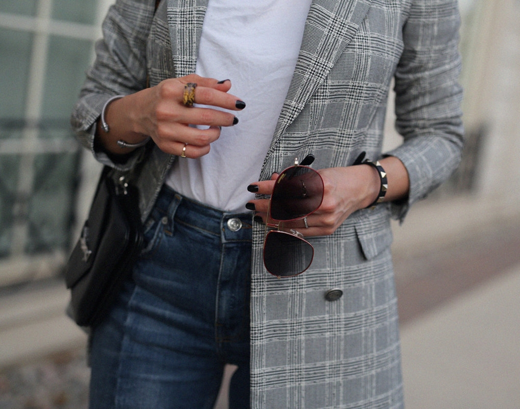 5+must+have+trends+for+fall+2017+-+zara+checkered+blazer,+gold+gucci+slippers,+carrera+bound+sunlgasses,+YSL+crossbody+bag,+seam+jeans_8040