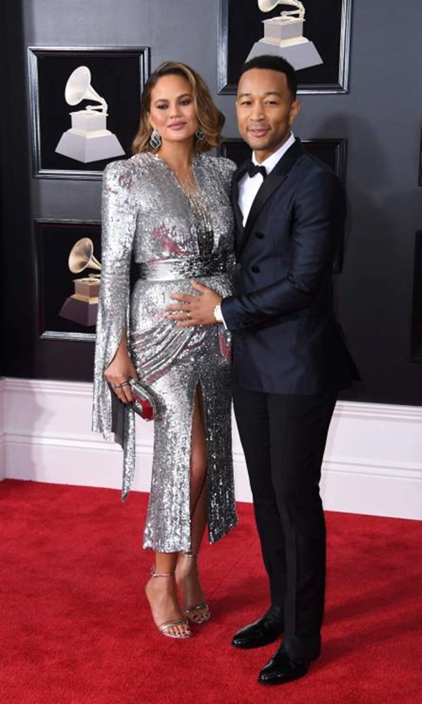 grammy-awards-2018-chrissy-teigen-i-john-legend