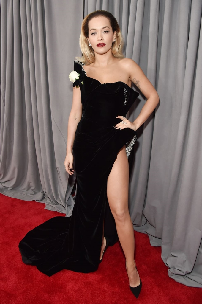 hbz-grammys-red-carpet-rita-ora-1517183942