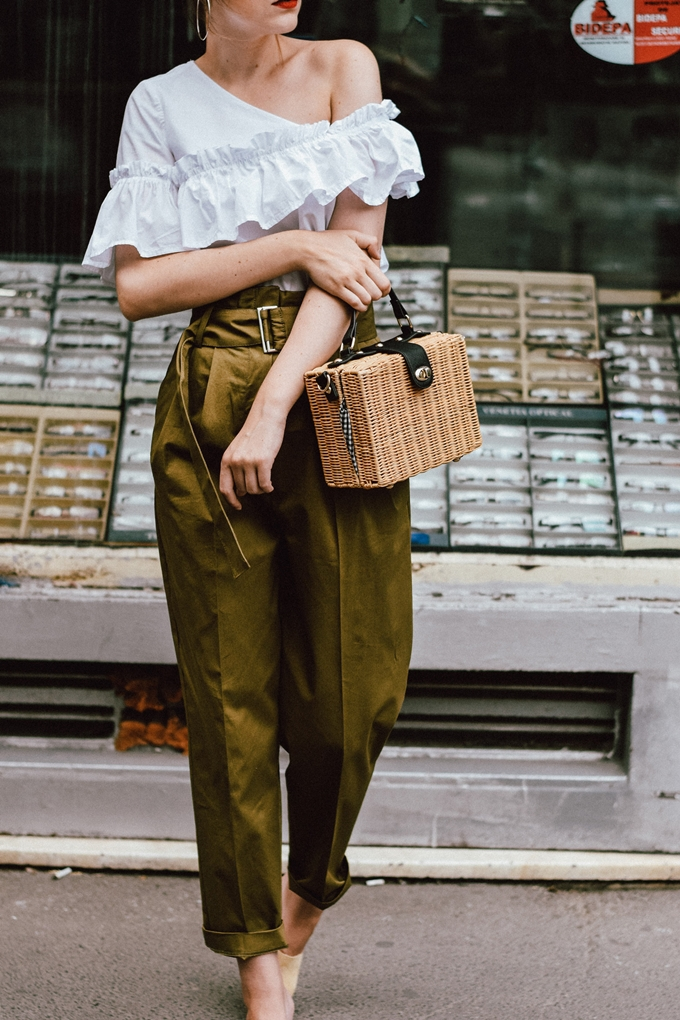 Mango-khaki-high-waisted-trousers-frilled-white-shoulder-top-beige-mules-bamboo-basket-bag-andreea-birsan-couturezilla-cute-summer-outfit-ideas-3