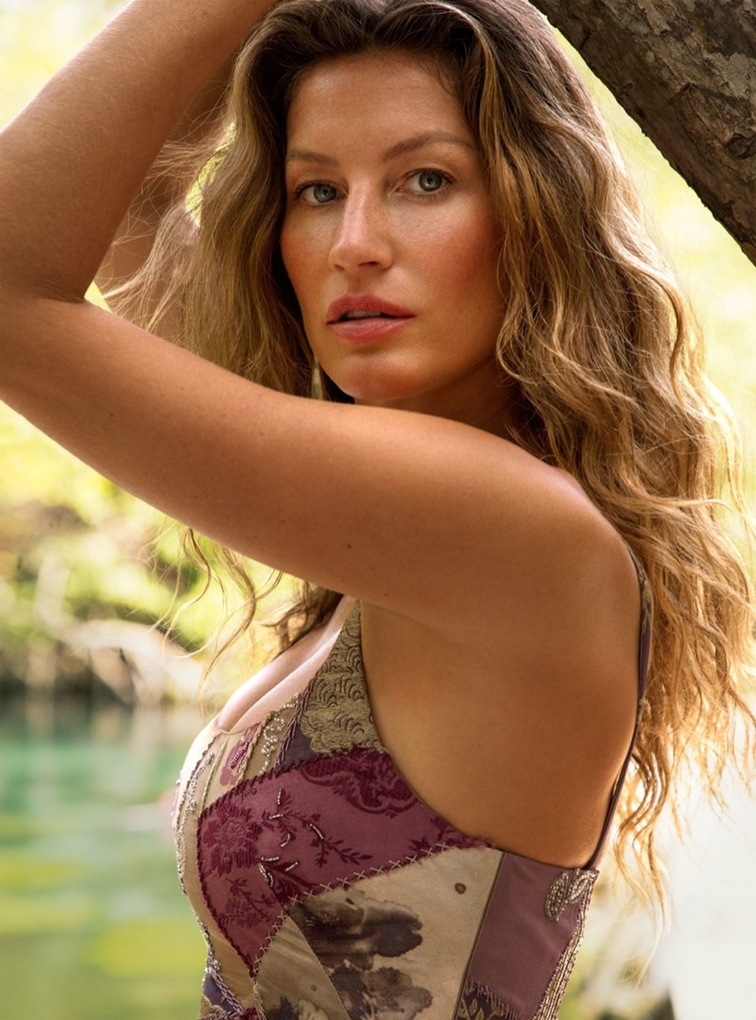 Gisele-Bundchen-Vogue-Cover-Photoshoot10